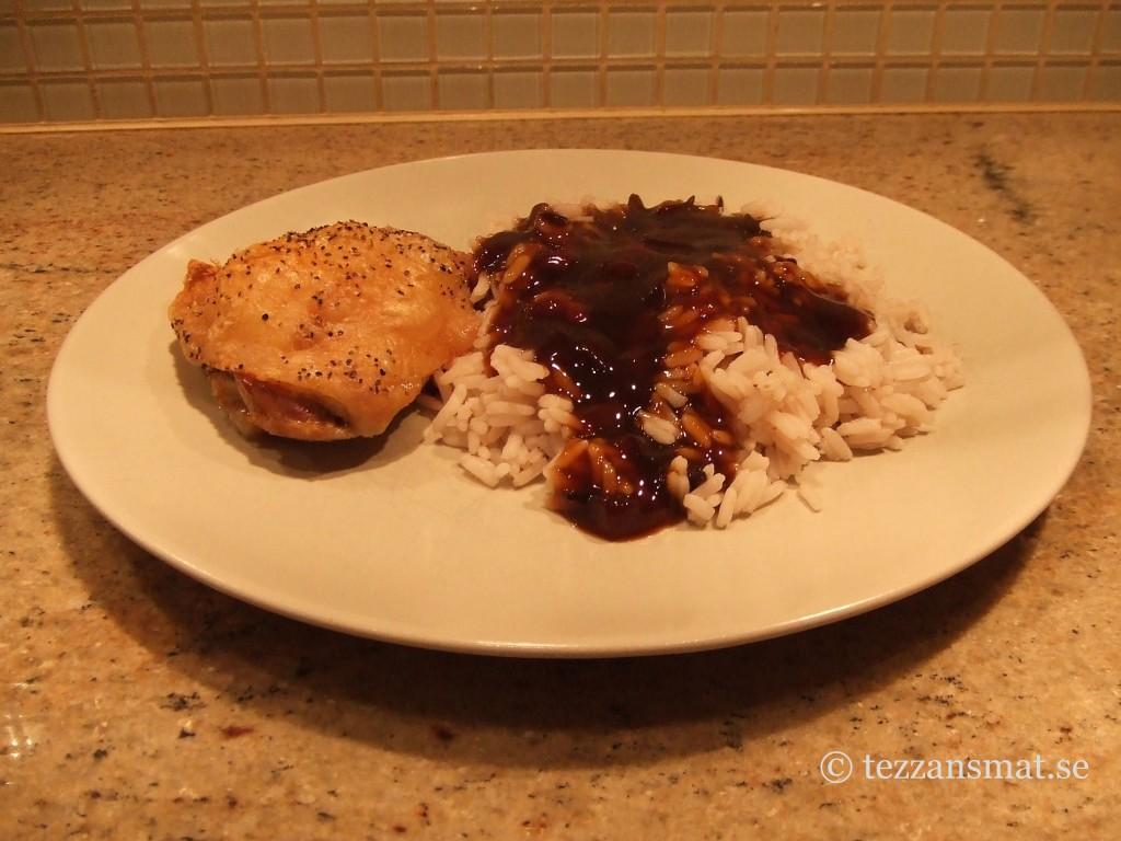 Kyckling med ris och teriyakisås